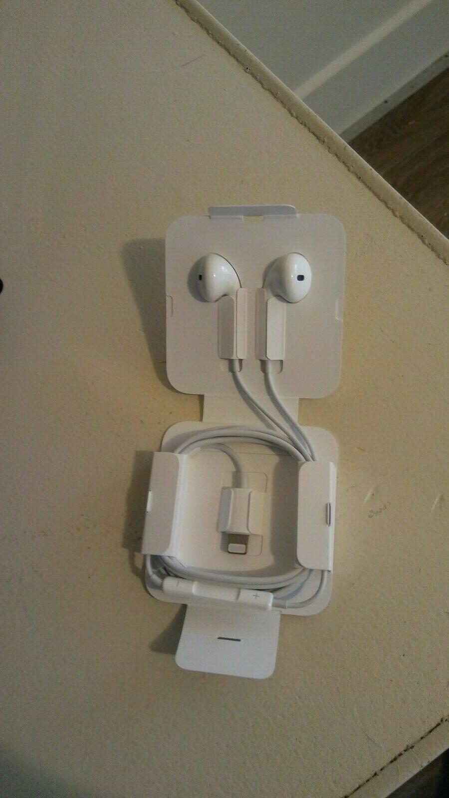 Apple EarPods Original 7 8 Plus XR Max